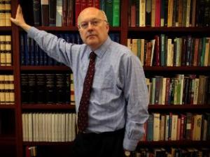 George Brandis and the bookshelf. A nice example of lifters and leaners
