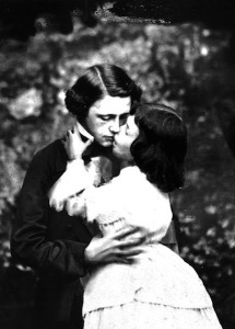 carroll-and-alice-kissing