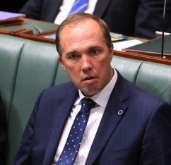 Peter Dutton wishes to give  himself the power to  strip Australians of their citizenship