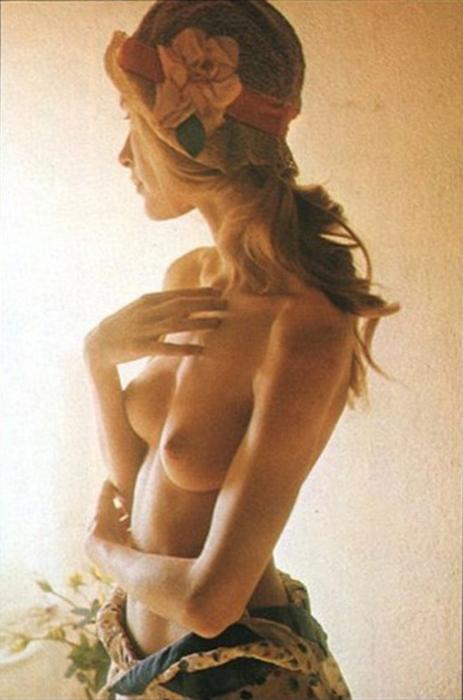 nude classic