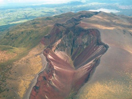 Mt-Tarawera-Volcano.jpg