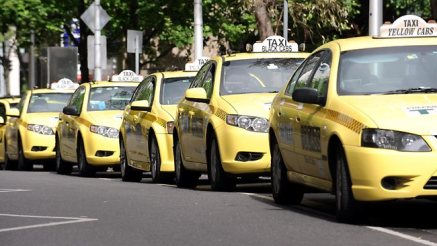 446374-melbourne-taxis.jpg