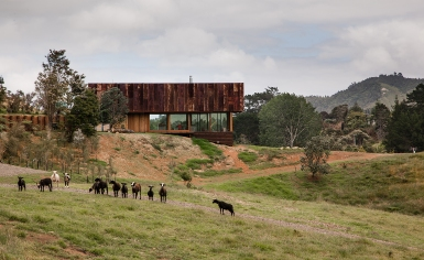 Herbst Architects' version of a rustic shed wins New Zealand's 'Home of the Year'