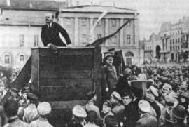 lenin-trotsky_1920-05-20_sverdlov_square_original