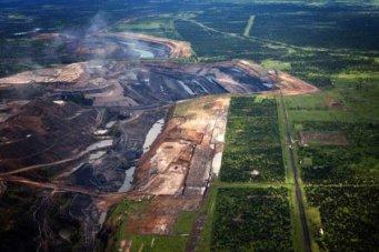 adani-lines-up-1bn-for-australias-carmichael-coal-complex